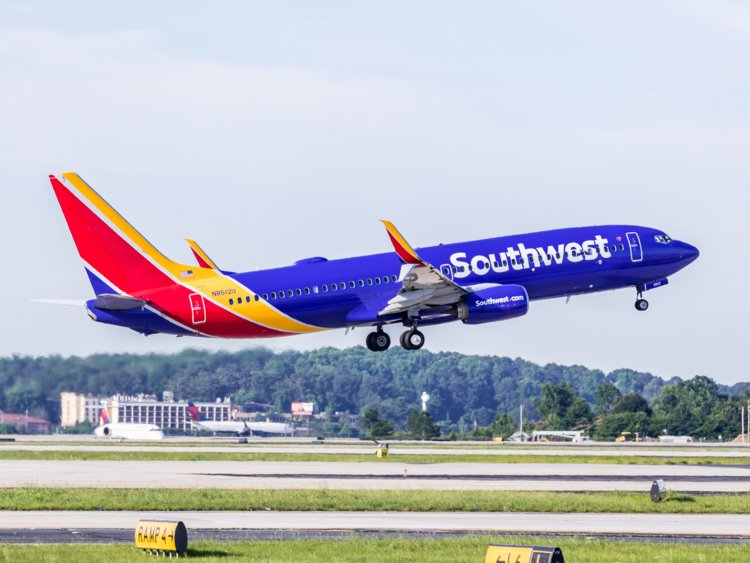 Southwest Airlines tweets passenger's personal information