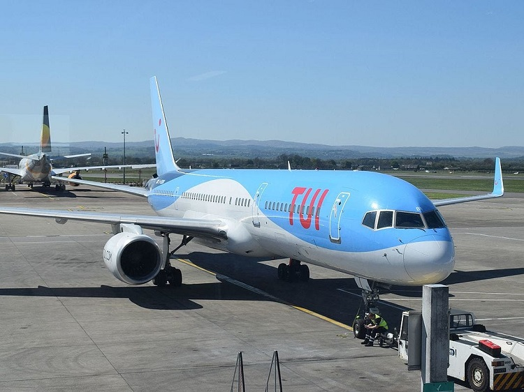 Tui requests 47 'sick' travelers off flight to Manchester